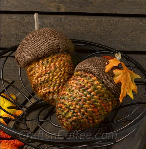 DIY Yarn and Burlap Acorns by Crafts 'n Coffee