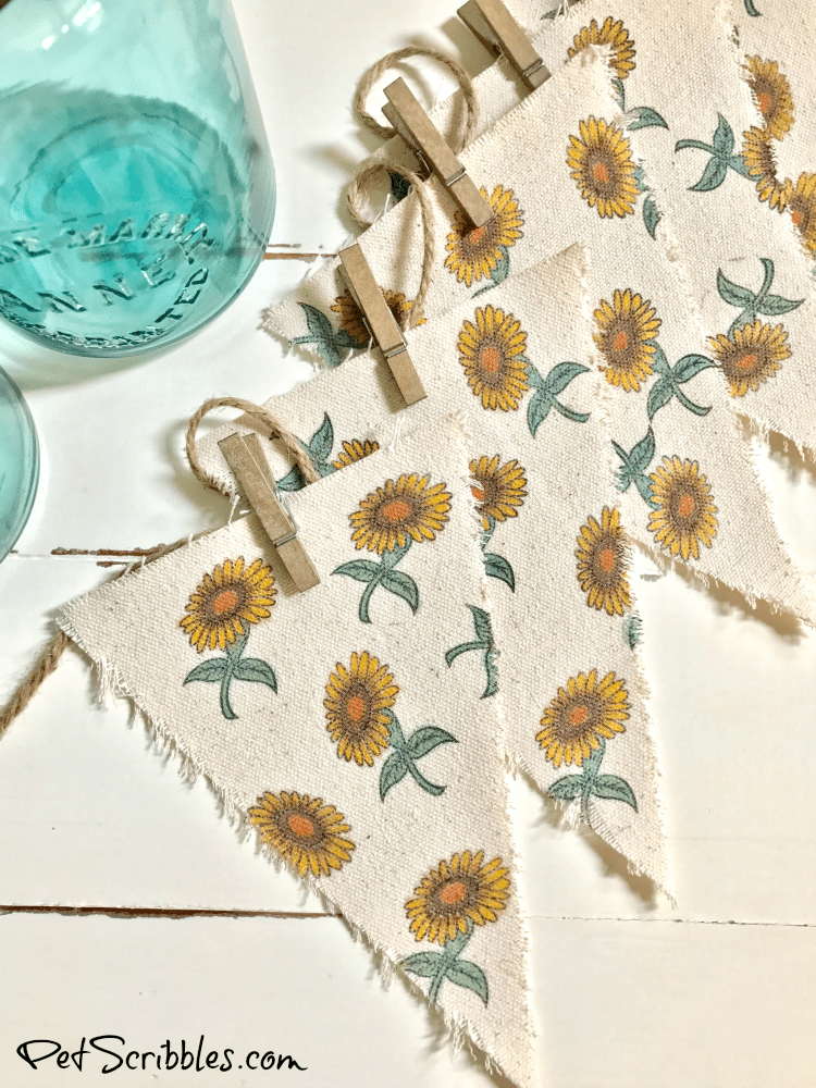 Farmhouse Decor: How to make a charming sunflower banner!