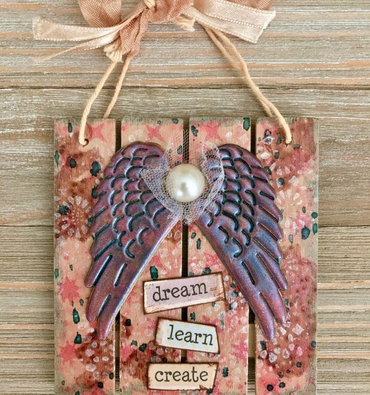 Mini Pallet Sign: how to make art that inspires! #mixedmedia