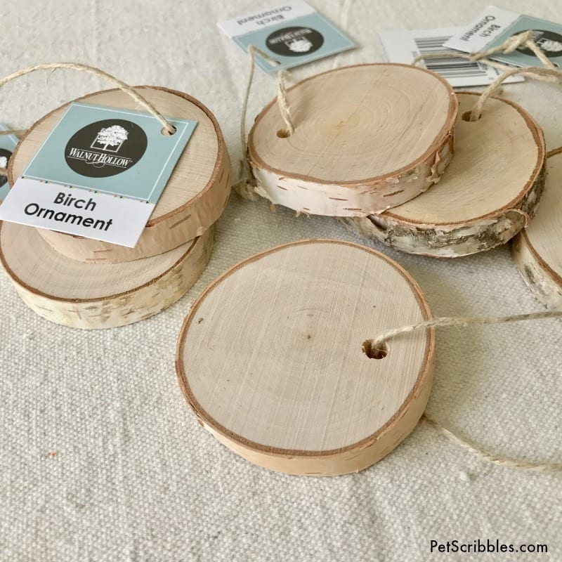 How to stamp charming wood slice ornaments for Christmas!