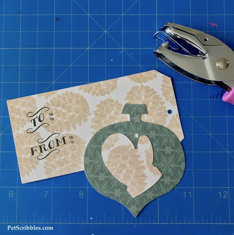 Easy Farmhouse Christmas Gift Tags using a self-inking stamp -- such a great idea!