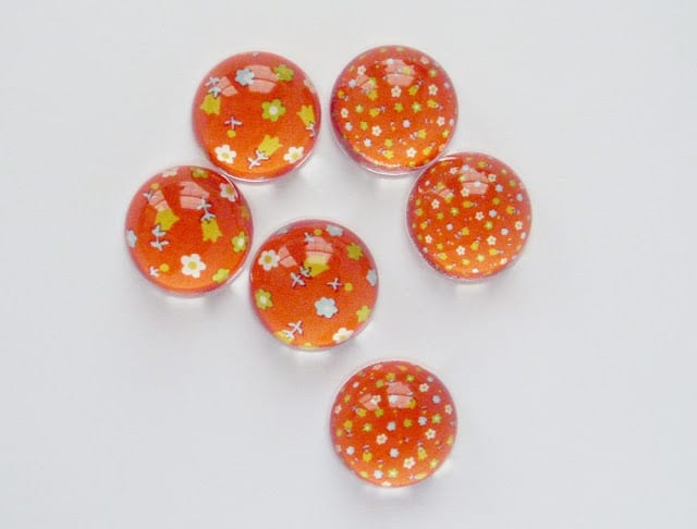 Red Floral Magnets, retro vintage style, by PetScribbles on Etsy
