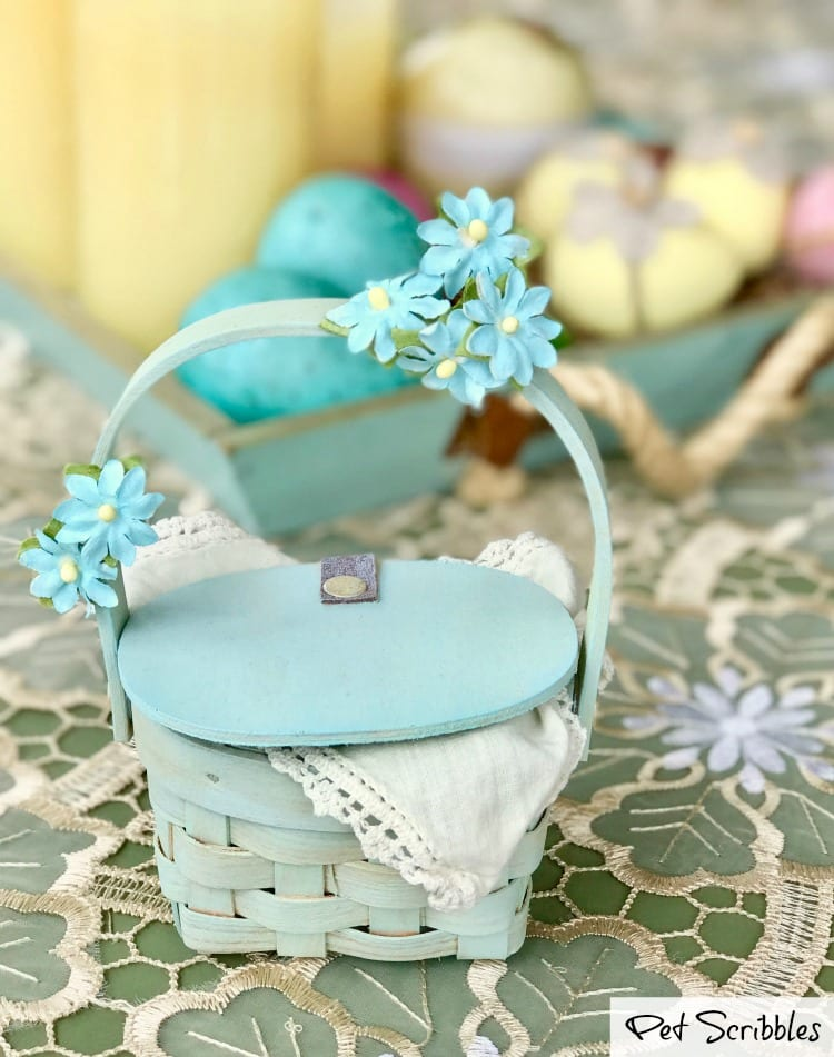 How to make pretty miniature picnic basket favors!