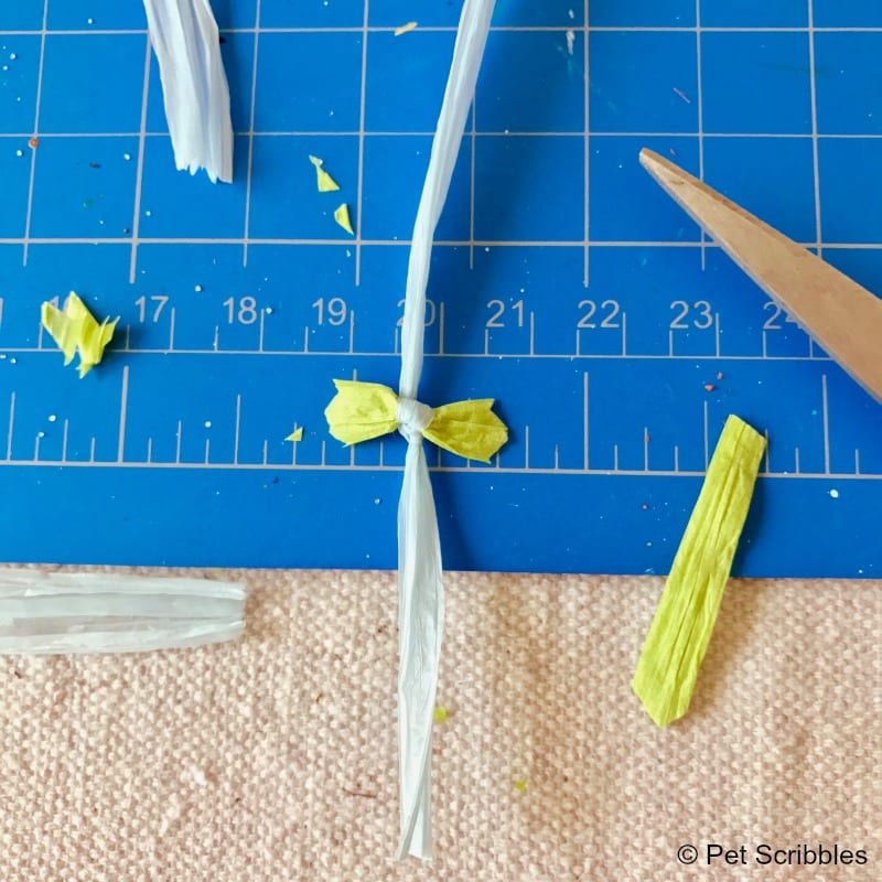how to make a tiny bowtie with raffia ribbon
