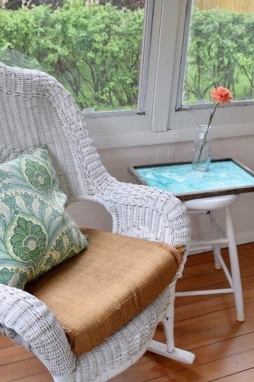 paint a marbled tray in 15 minutes