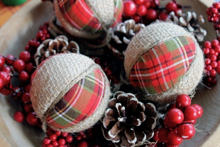 plaid-and-burlap-ornaments