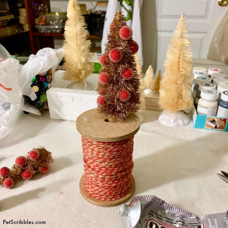 make farmhouse bottle brush tree decor