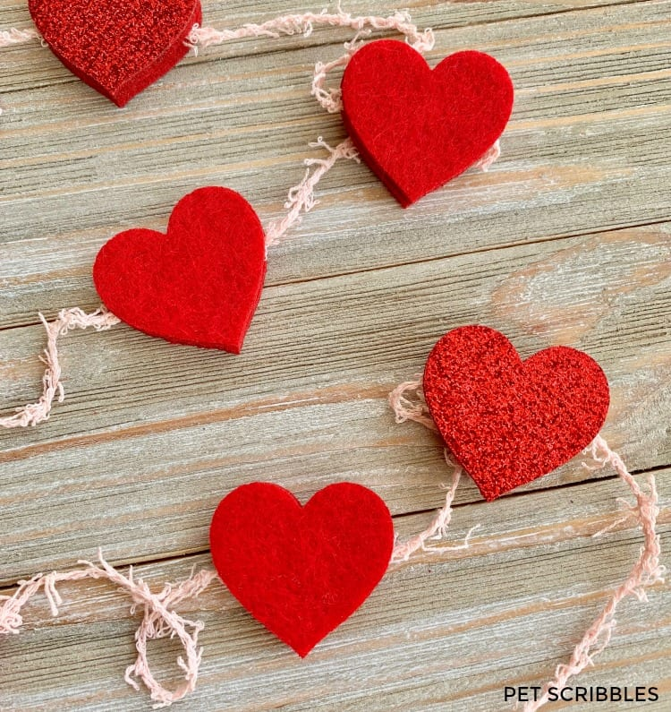 DIY red felt heart garland