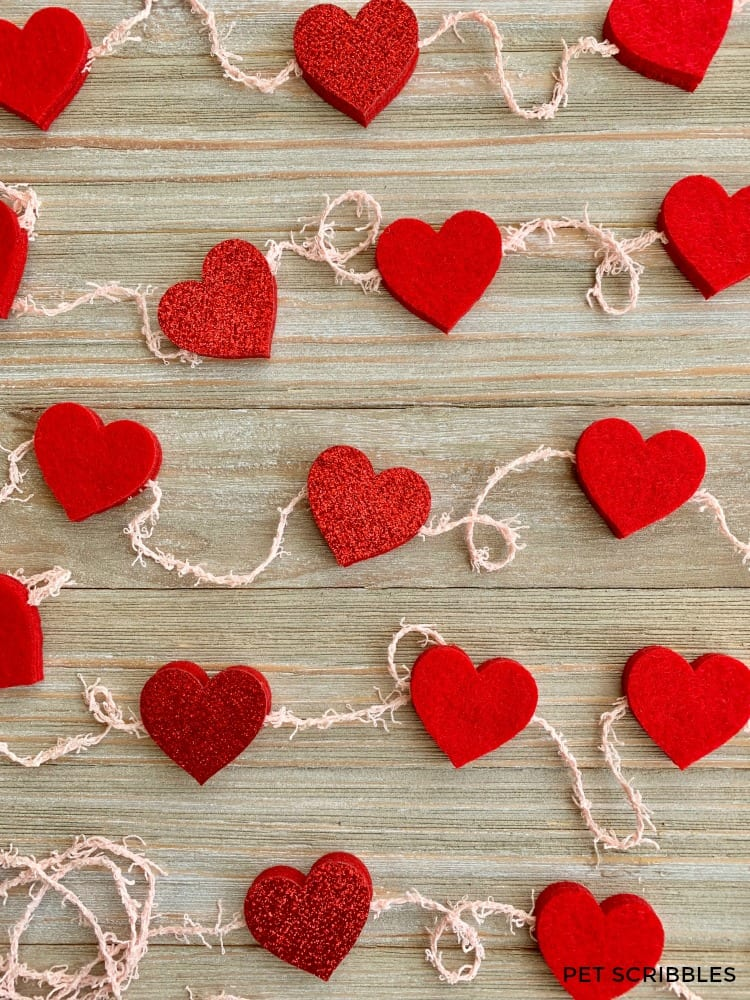 Easy No-Sew Felt Heart Garland DIY