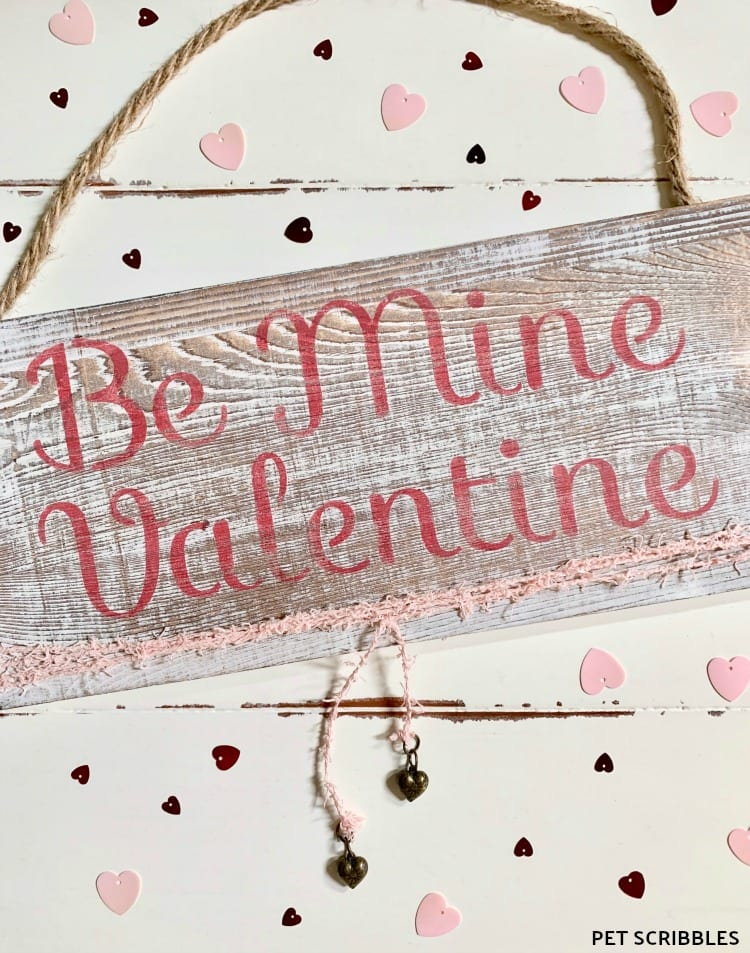 Rustic Valentine's Day Wood Sign -- an easy DIY