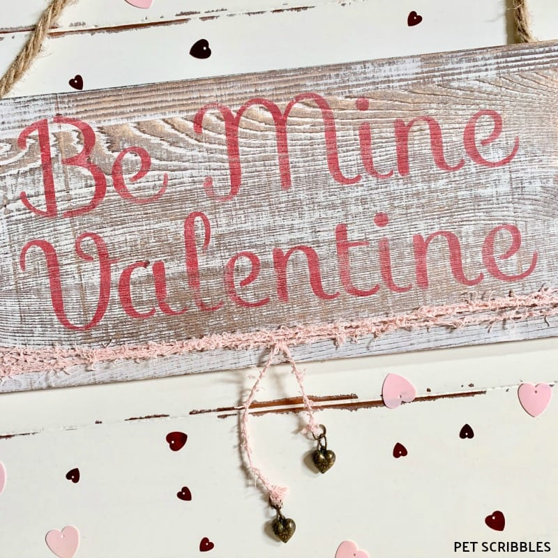 Shabby Valentine's Day Wood Sign Tutorial