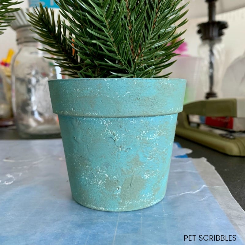 chalk paint makeover on plastic pots