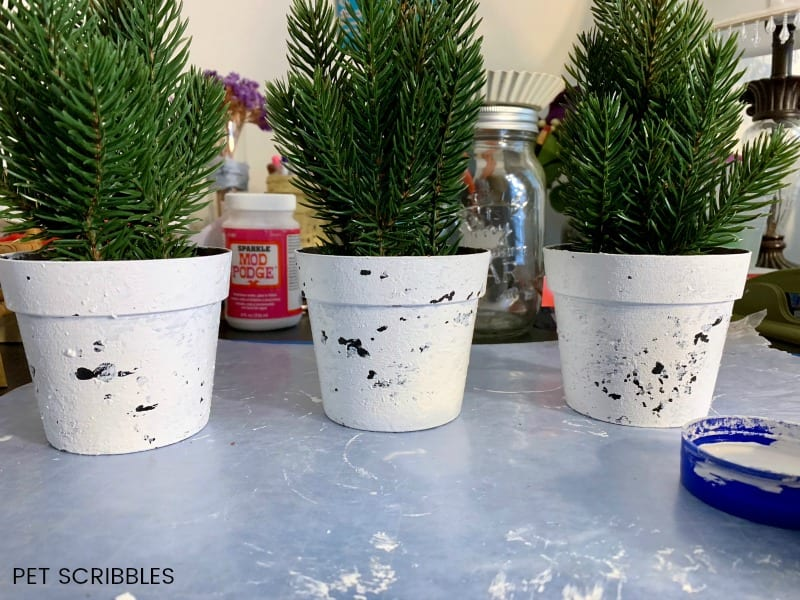 plastic plant pot makeover with paint