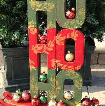 HO! HO! HO! Festive Christmas Display