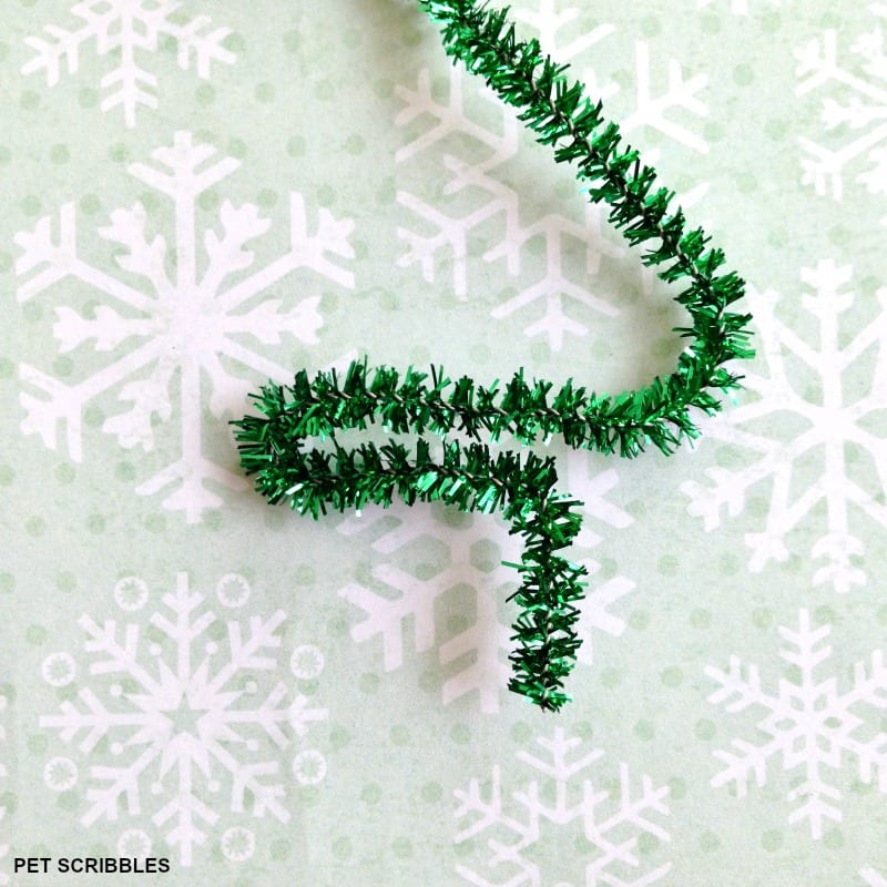 making a pipe cleaner tree
