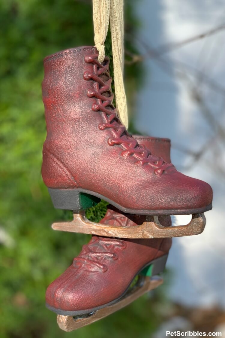 painted ice skates decoration